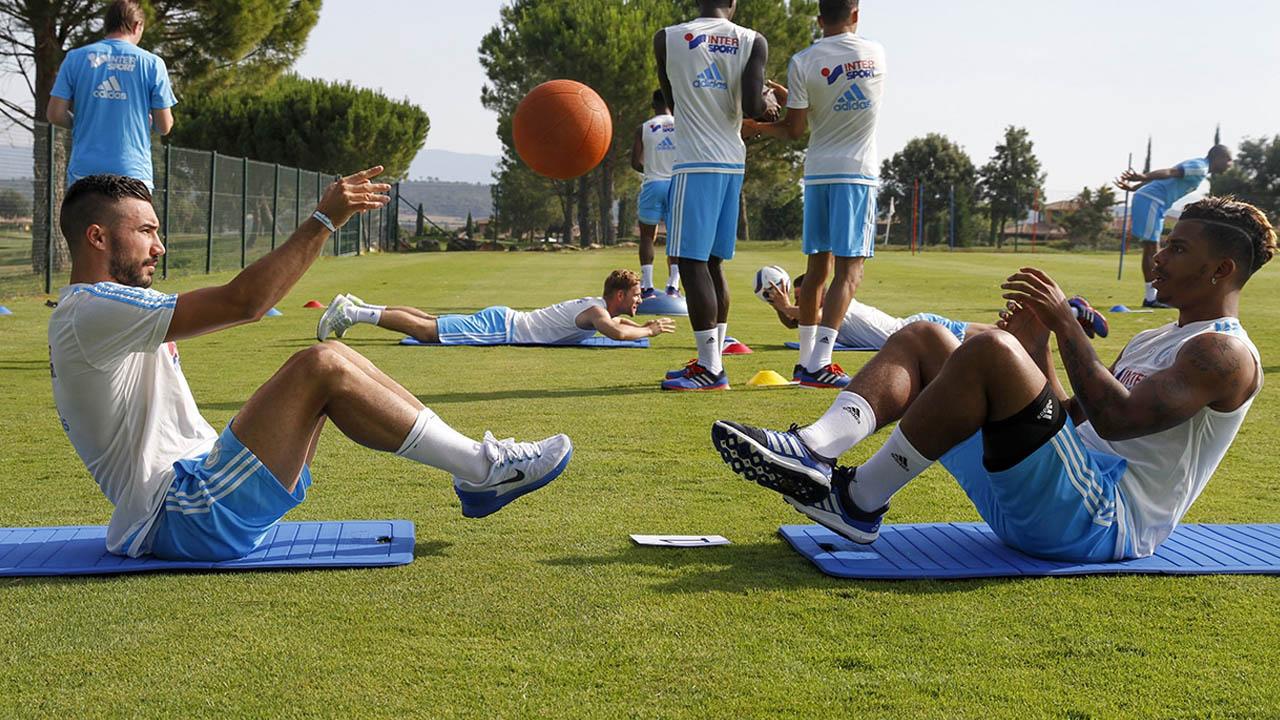 Exercices avec médecine ball Foot - Click For Foot | Le blog